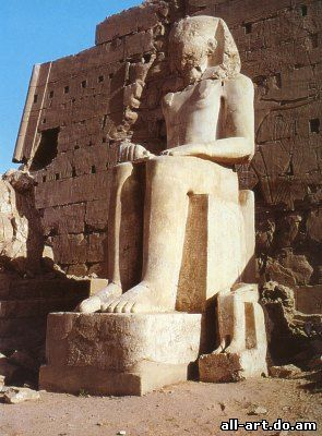 Статуя Рамзеса II